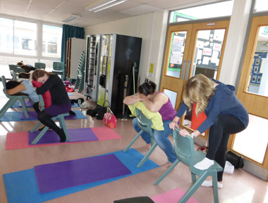 expectant mums practicing pregnancy yoga